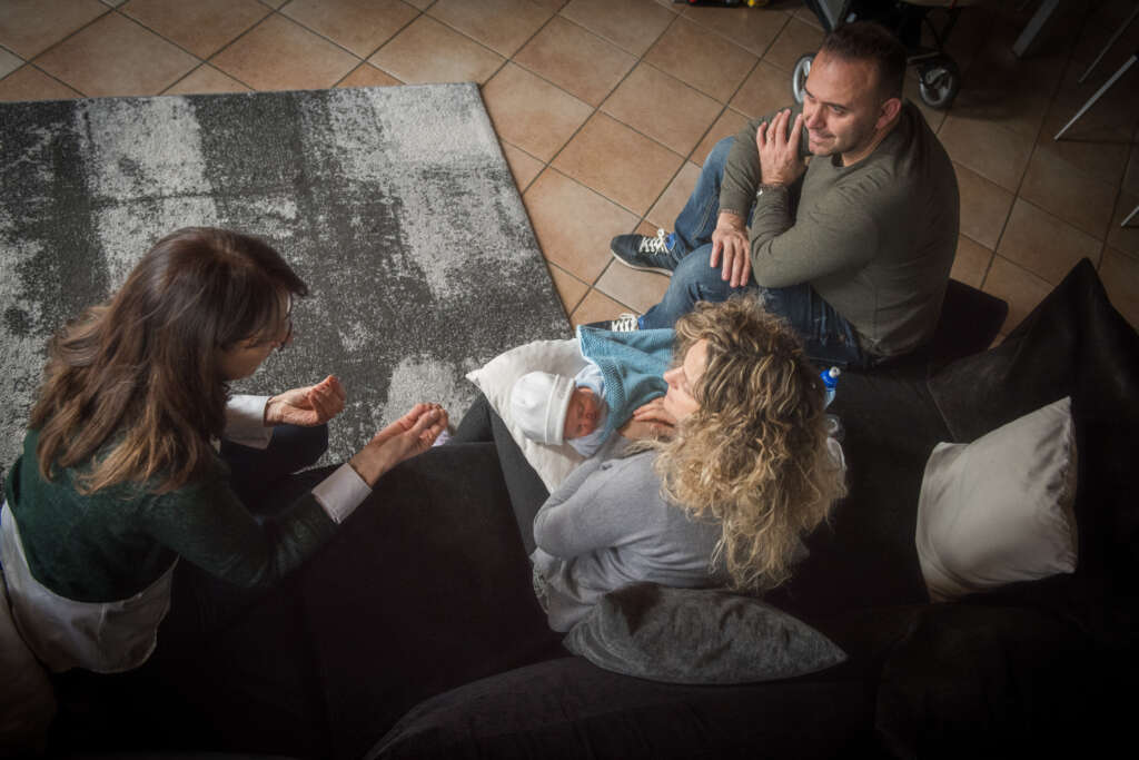 sessione di terapia neonatale integrativa